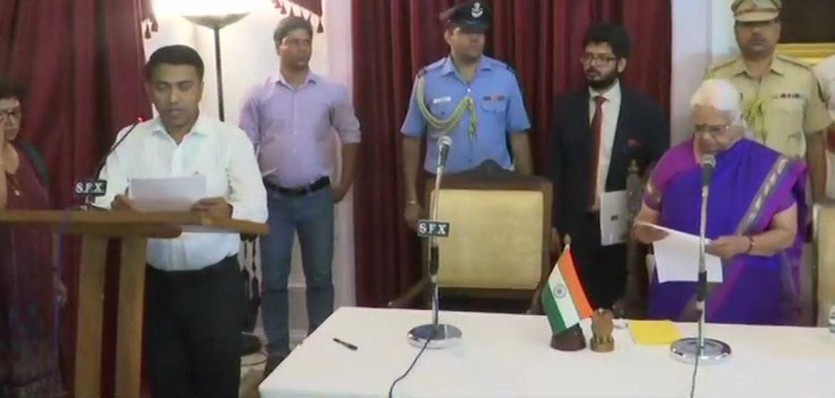 प्रमोद सावंत ने ली गोवा के मुख्यमंत्री पद की शपथ