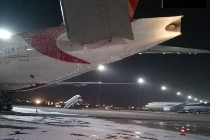 एयर इंडिया विमान के पिछले हिस्से में लगी आग