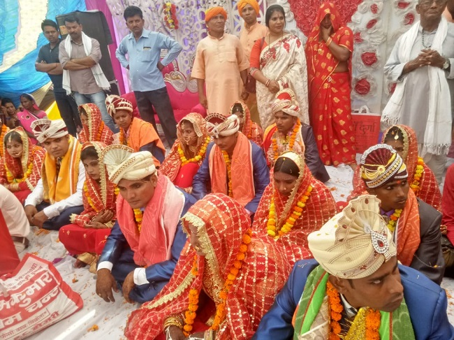 पनियरा विकासखंड के गांव सौरहा में आयोजित विवाह समारोह