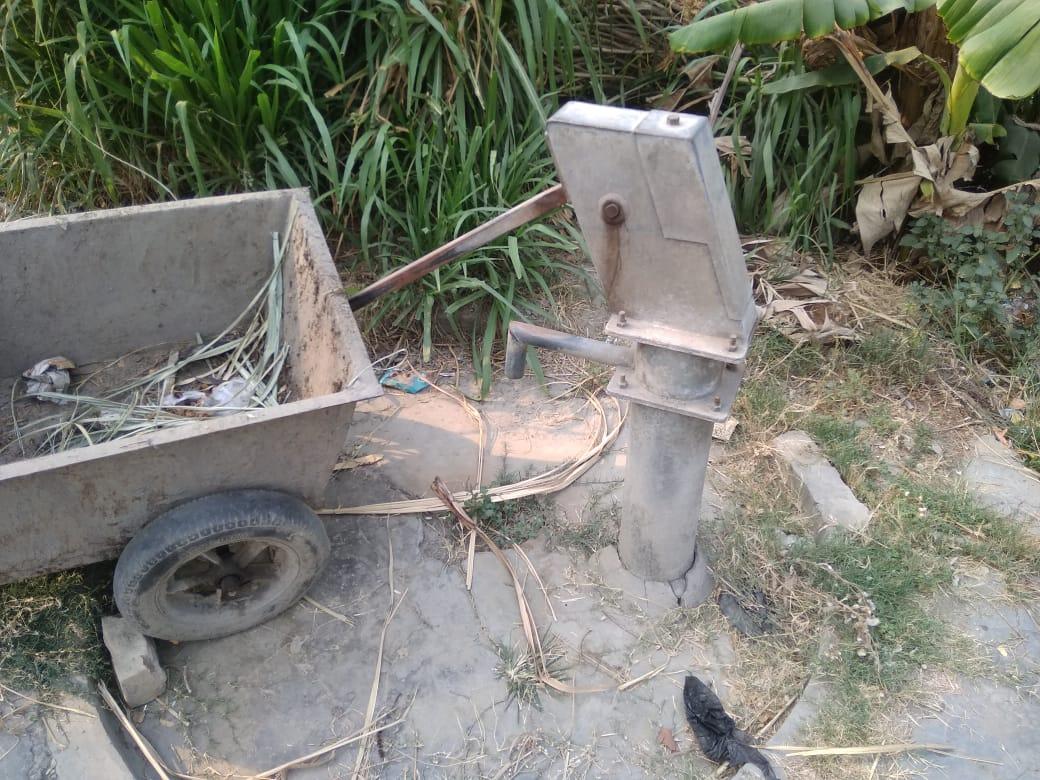 महराजगंज के  सिसवा विकासखंड के एक गांव में खराब पड़ा नल