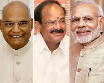 राष्ट्रपति राम नाथ कोविंद, उपराष्ट्रपति एम. वेंकैया नायडू और प्रधानमंत्री नरेन्द्र मोदी