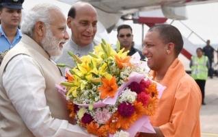 प्रधानमंत्री नरेन्द्र मोदी, मुख्यमंत्री योगी आदित्यनाथ (फइल फोटो)