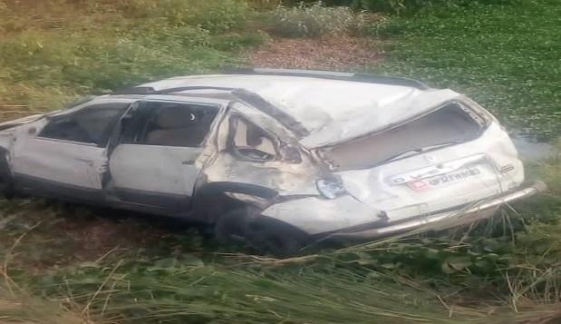 हादसे के बाद क्षतिग्रस्त कार