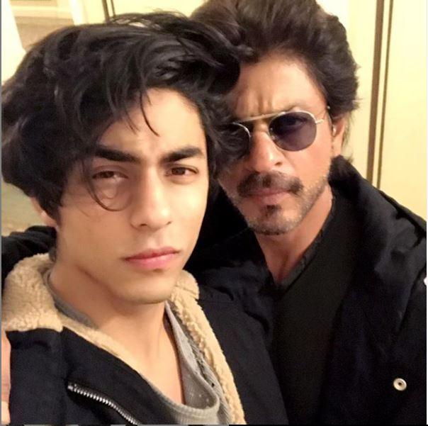 बेटे आर्यन के साथ शाहरूख खान