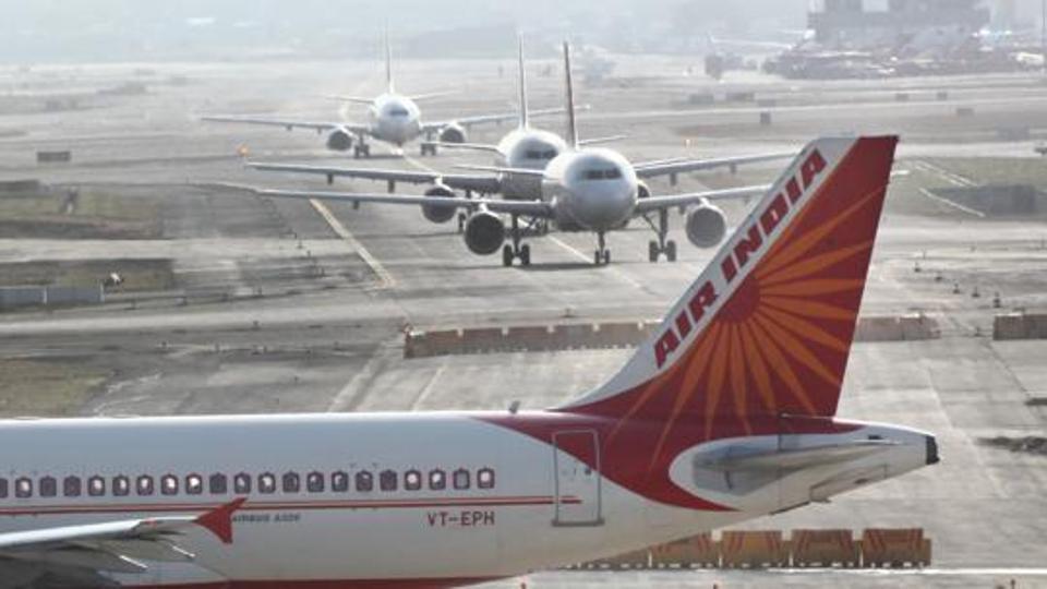 तीन हवाई अड्डों को निजी हाथों में सौंपने को मिली मंजूरी