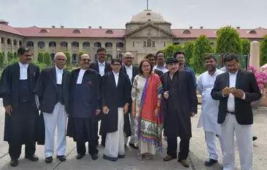 याचिका दाखिल करने के बाद अमर सिंह और भाजपा नेत्री जया प्रदा