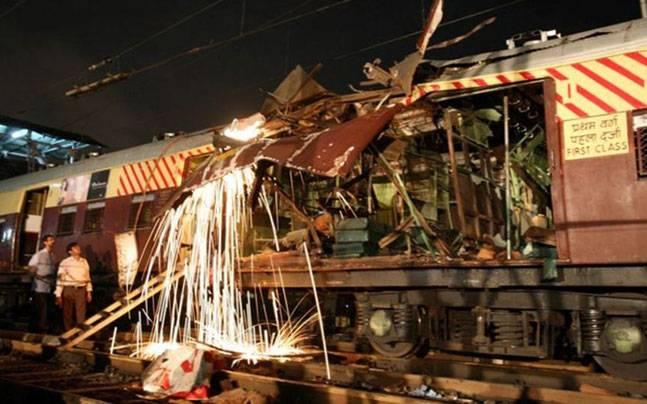 मुंबई में सीरियल धमाके