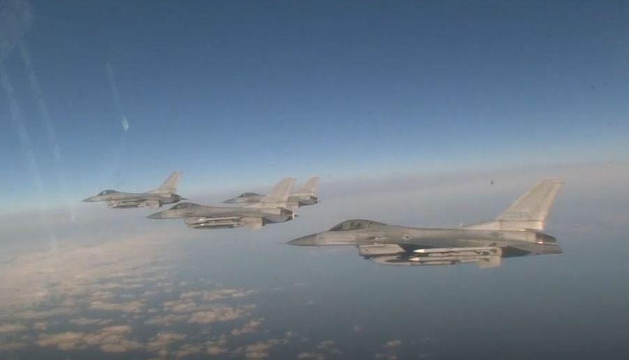 रूसी और चीनी विमान
