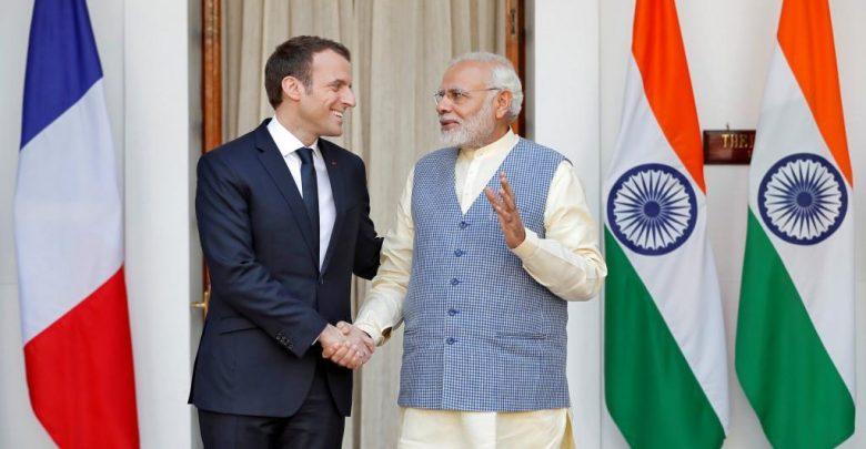 प्रधानमंत्री नरेंद्र मोदी और फ्रांस के राष्ट्रपति इमैनुएल मैक्रों