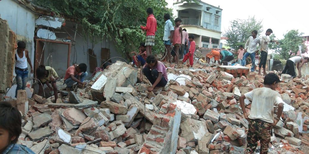 नग्न तांडव के बाद जमींदोज इमारतों का हाल