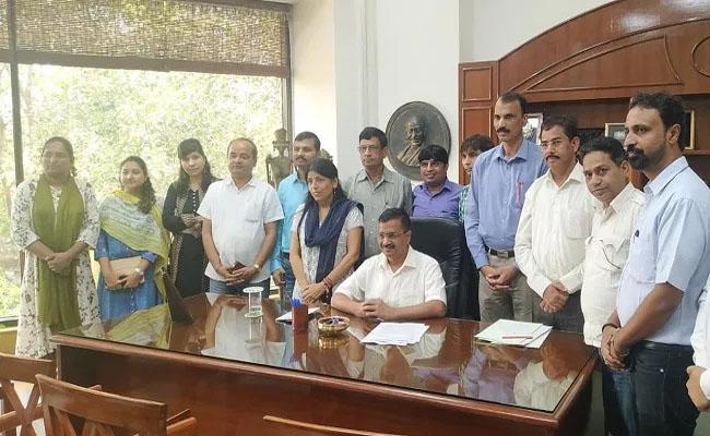डीजेए की सदस्यों के साथ दिल्ली के सीएम