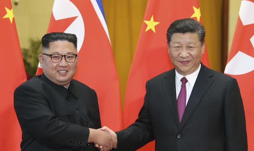 चीन के राष्ट्रपति शी जिनपिंग और उत्तर कोरिया के नेता किम जोंग