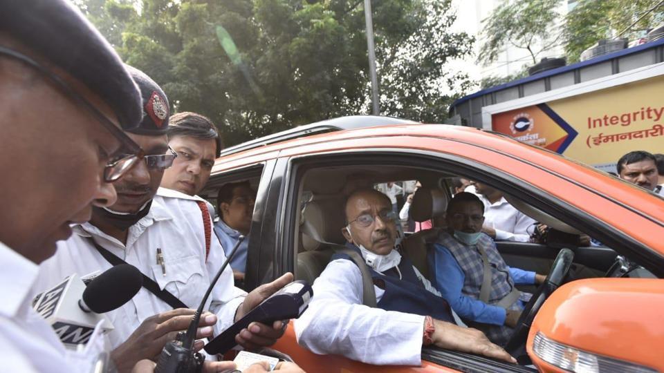 विजय गोयल ने सम-विषम योजना का किया उल्लंघन