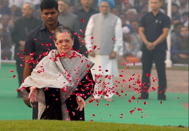 सोनिया गांधी ने दी श्रद्धांजलि