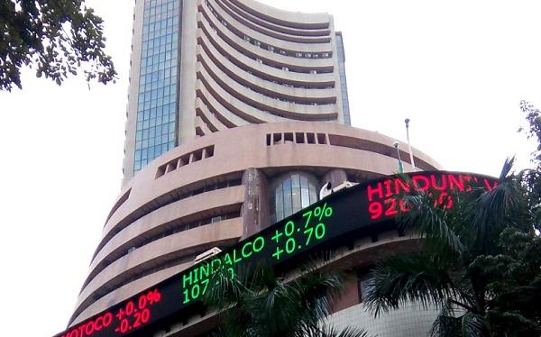 बजट के बाद शेयर बाजार में भारी गिरावट(फाइल फोटो)