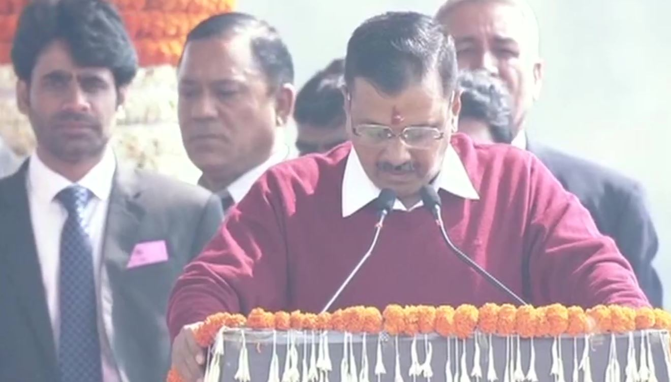 अरविंद केजरीवाल ने दिल्ली के मुख्यमंत्री पद की शपथ की ग्रहण
