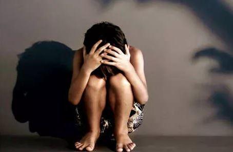 नाबालिग ने पिता पर लगाया बलात्कार का आरोप (प्रतीकात्मक फोटो)