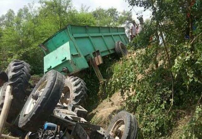 ट्रैक्टर-ट्रॉली और टेंपो की टक्कर में तीन लोगों की मौत (फाइल फोटो)