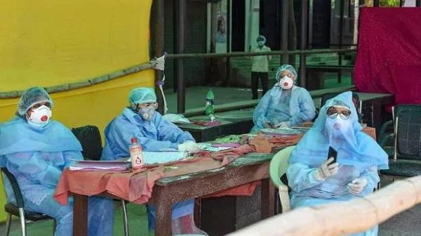 स्वास्थ्यकर्मियों के लिए सरकार ने लिए अहम फैसले (फाइल फोटो)
