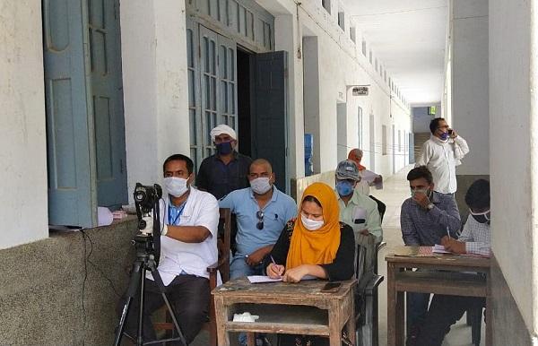 फरेंदा में मौजूद डॉक्टरों की टीम