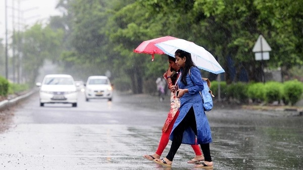 कई राज्यों में हो सकती है भारी बारिश (फाइल फोटो)