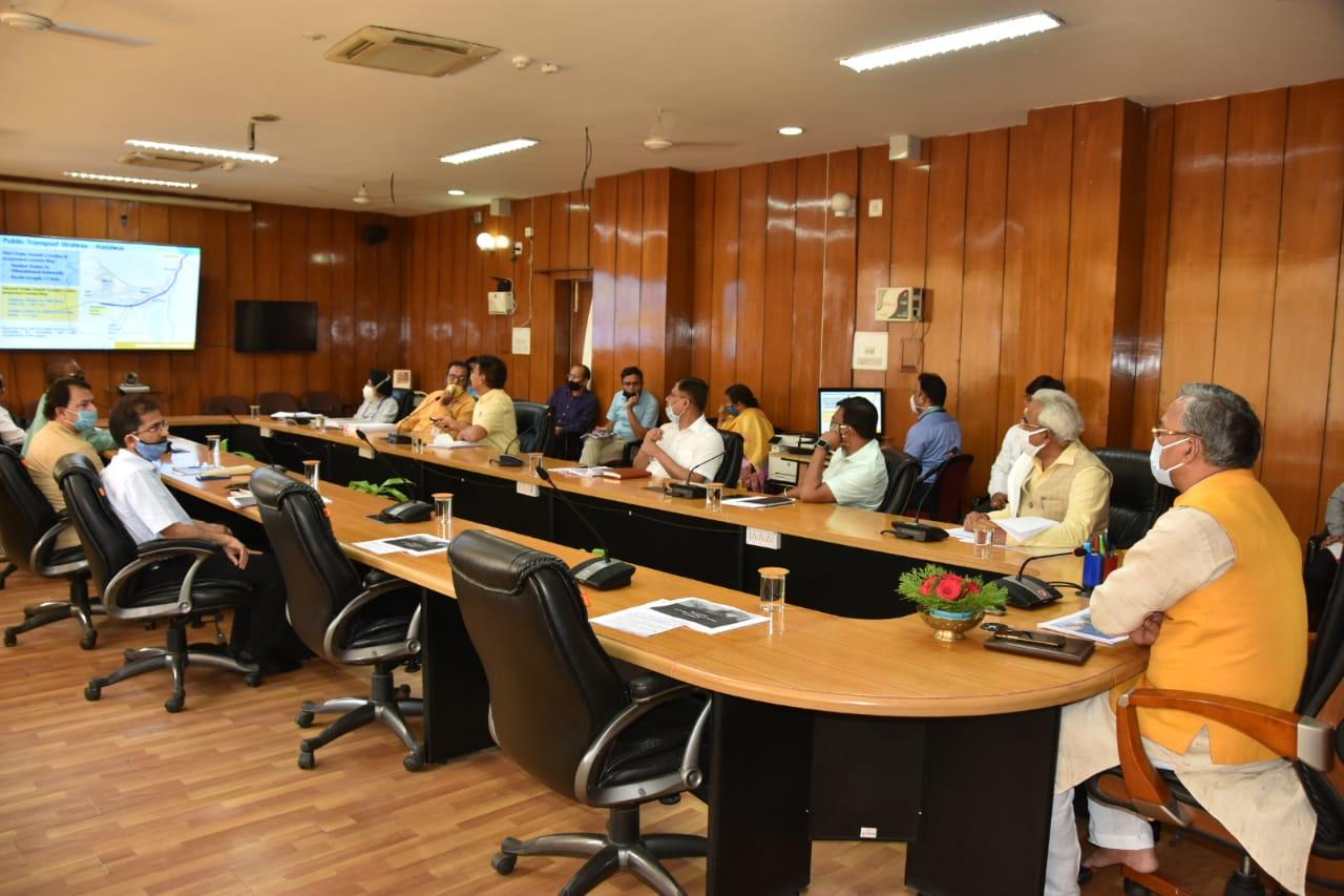 यूएमटीए की बैठक में सीएम त्रिवेंद्र सिंह रावत व अन्य पदाधिकारी