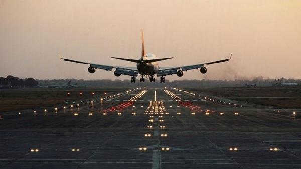 गोरखपुर से लखनऊ के लिए हवाई उड़ान (फाइल फोटो)
