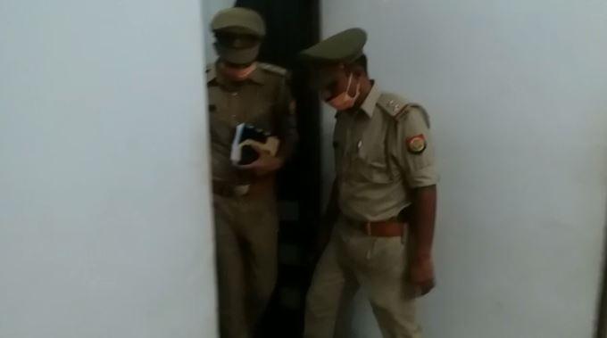 घटना के बाद मौके पर जांच में जुटी पुलिस