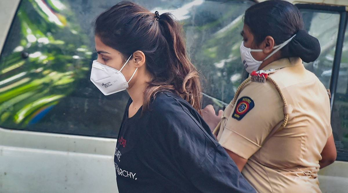 भायखला जेल में बंद हैं रिया