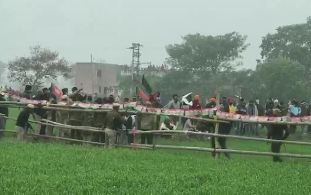 सीएम को महापंचायत के विरोध में जुटे किसान