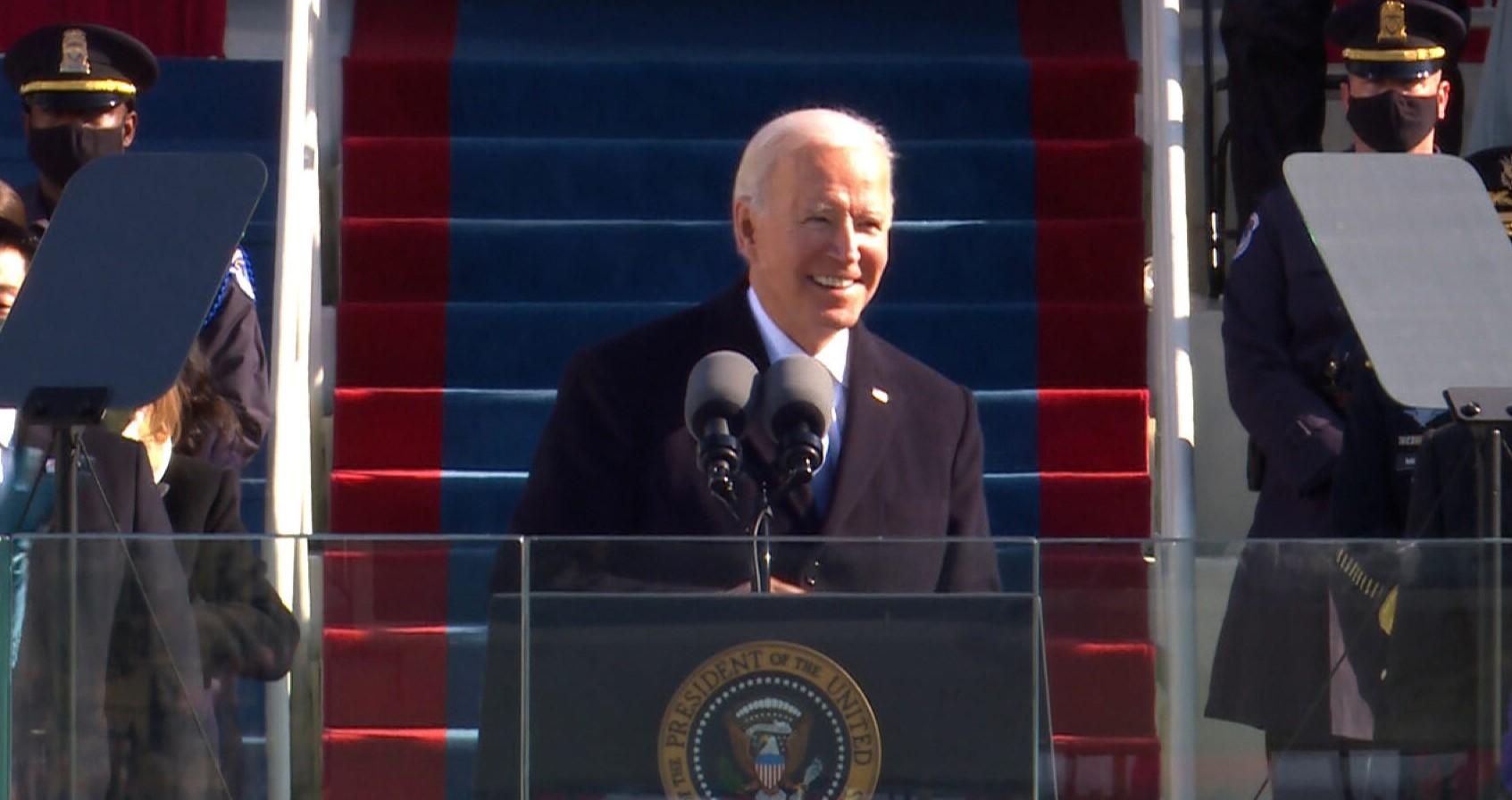 अमेरिकी राष्ट्रपति के रूप में शपथ लेते जो बाइडन