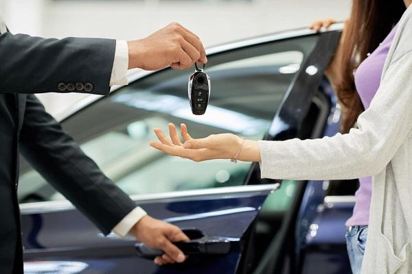 नए वाहन खरीदने वालों के लिए बदल सकते हैं ये नियम (फाइल फोटो)
