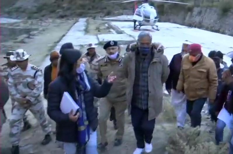 मुख्यमंत्री त्रिवेंद्र सिंह रावत ने मंगलवार सुबह लिया प्रभावित क्षेत्रों का जायजा