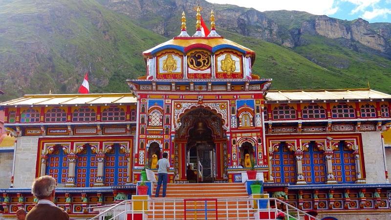 चार धामों में एक प्रमुख धाम बद्रीनाथ