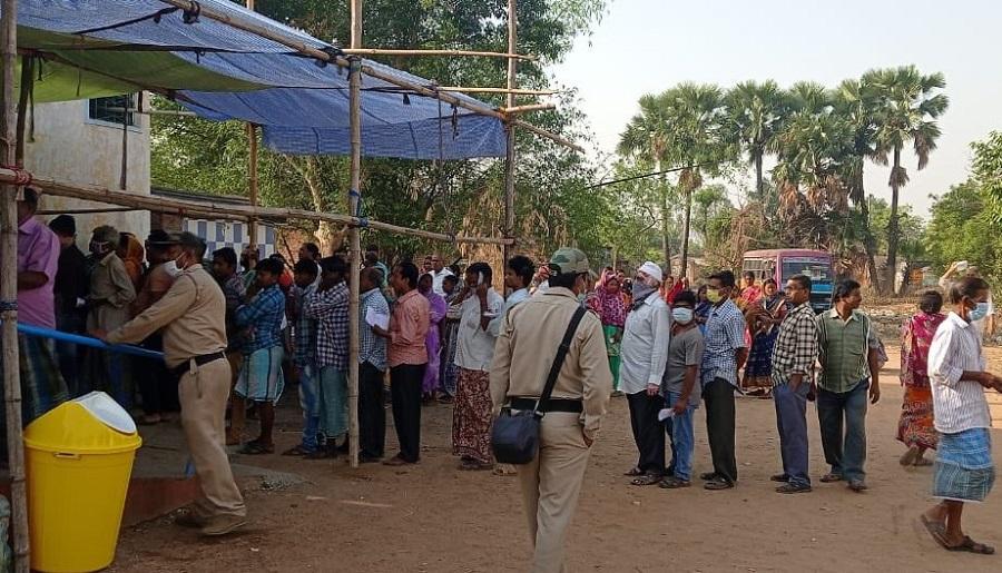 बंगाल में दूसरे चरण की वोटिंग जारी