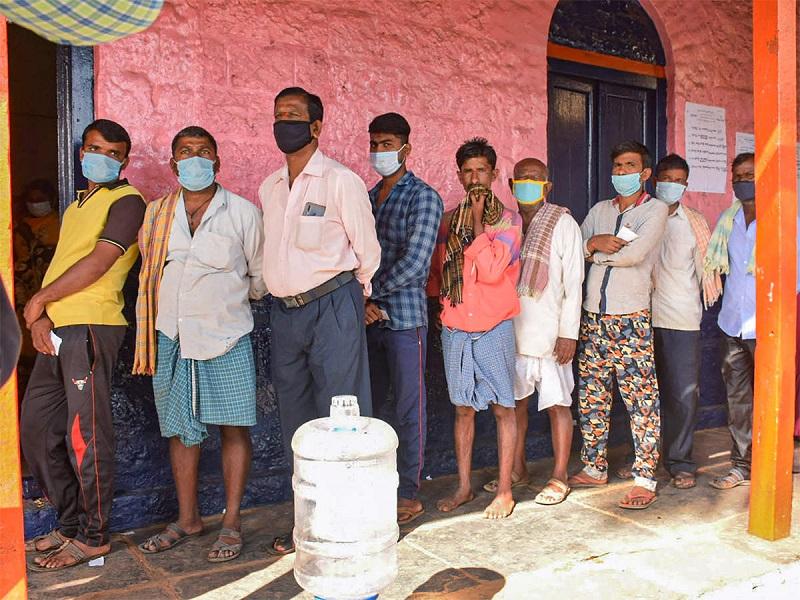 यूपी में तीसरे चरण के मतदान के बीच कुछ जगहों पर हिंसा (फाइल फोटो)