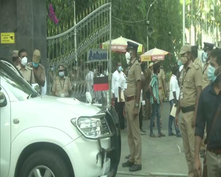 तमिलनाडु में मतगणना जारी