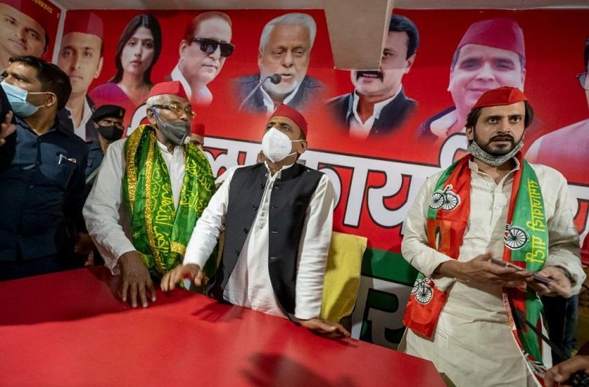पंचायत चुनाव में भाजपा के कई गढ़ों में भी सपा की सेंध