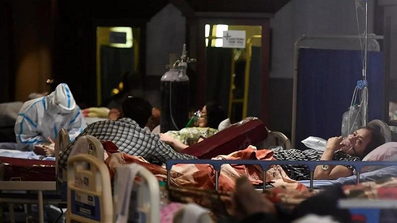 कोरोना संकट के बीच अस्पताल में अव्यस्थाओं की शिकायतें जारी (फाइल फोटो)