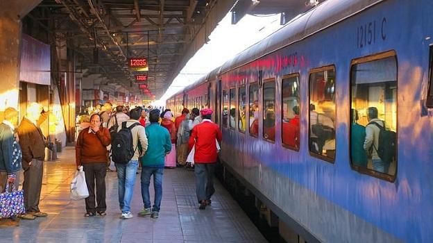 रेलवे ने आज से 17 मई तक ये 31 ट्रेनें की रद्द (फाइल फोटो)