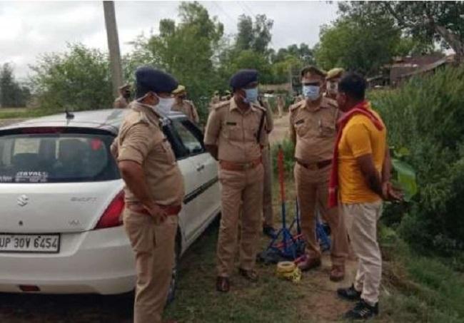 मौके पर जांच में जुटी हरदोई  पुलिस
