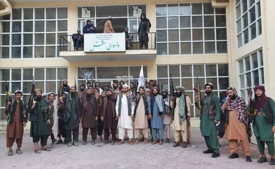 तालिबान ने पंजशीर में लहराया झंडा