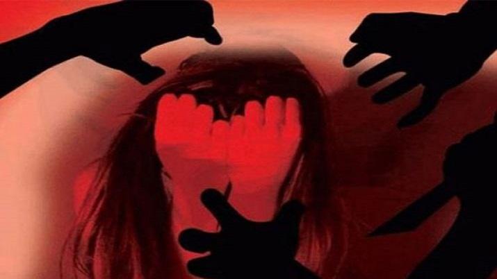 आरोपियों ने अलग-अलग मौकों पर किया लड़की से रेप (सांकेतिक तस्वीर)