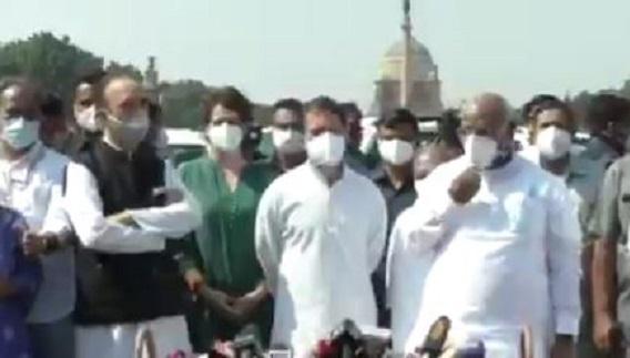 लखीमपुर घटना को लेक राष्ट्रपति के पास पहुंचे कांग्रेसी